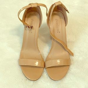 Shoe Dazzle Shoes - Shoedazzel Nude Patent Heels Sandals Shoes sz 8